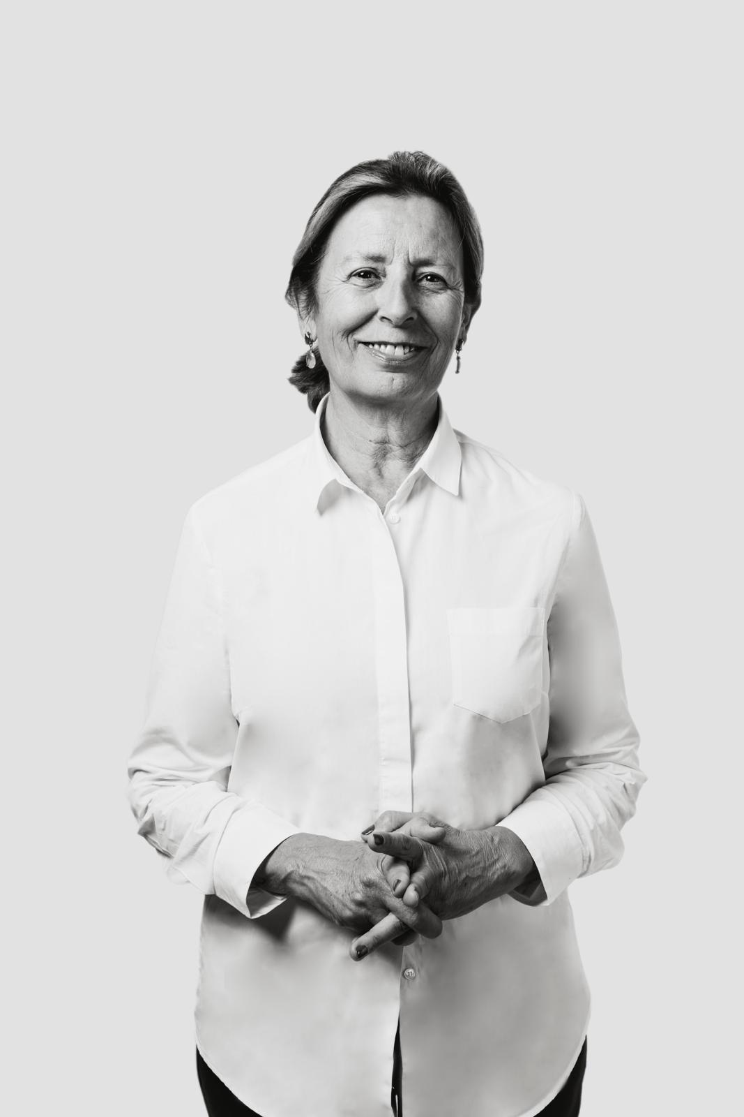 Pilar Sanchis Aramburo, Batiment & Fourniture